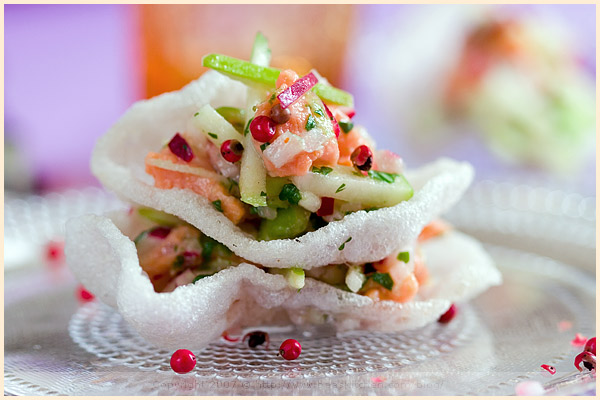 salmon tartar  nuoc mâm fish prawn crackers ginger radish apple coriander